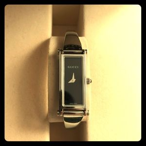 5ff748184b69 Rectangular vintage Gucci bangle watch in small